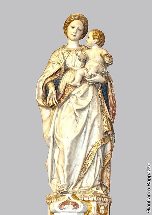 雪の聖母の御像